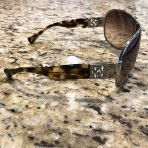 3c46393ee738b Coach Accessories - Coach Spotty Tortoise Reagan Sunglasses
